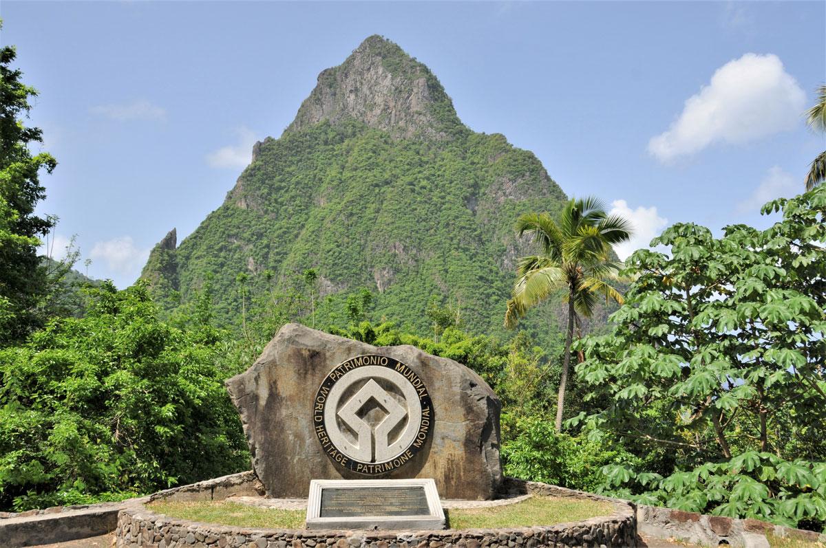 The-Pitons-Mountains-Santa-Lucia---SLUNCF-1